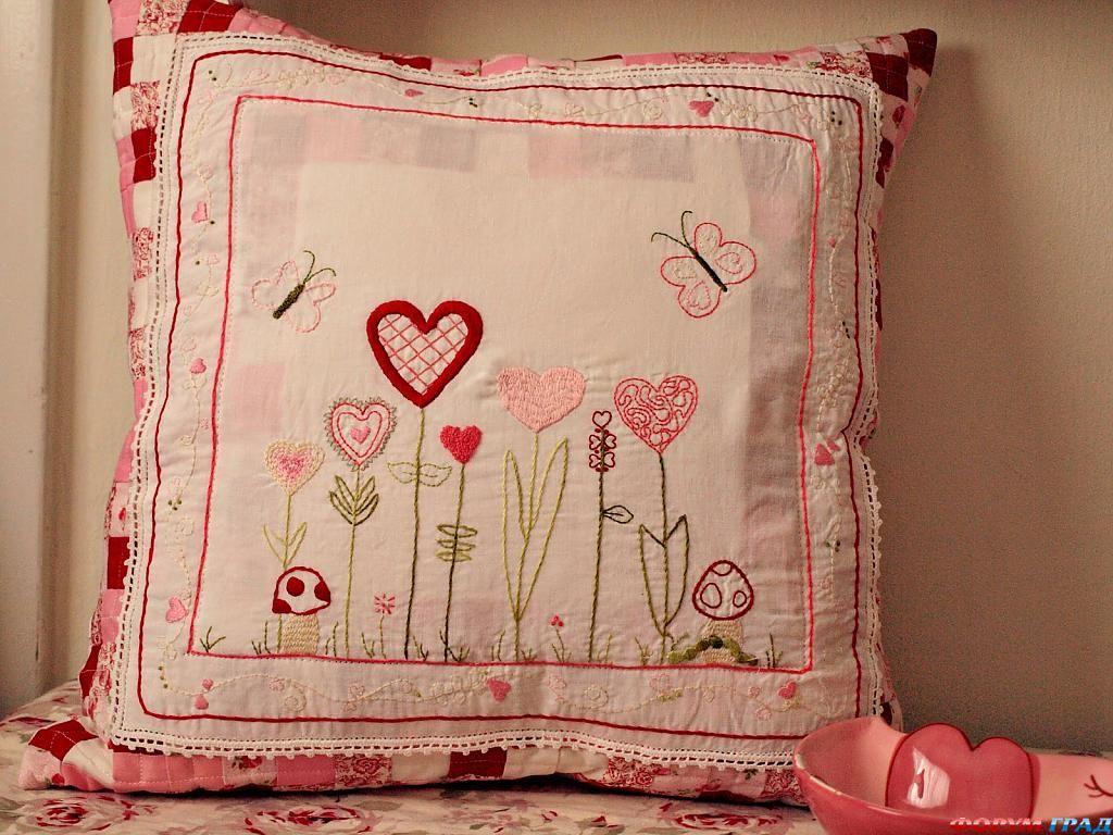 Подушки с вышивкой своими руками