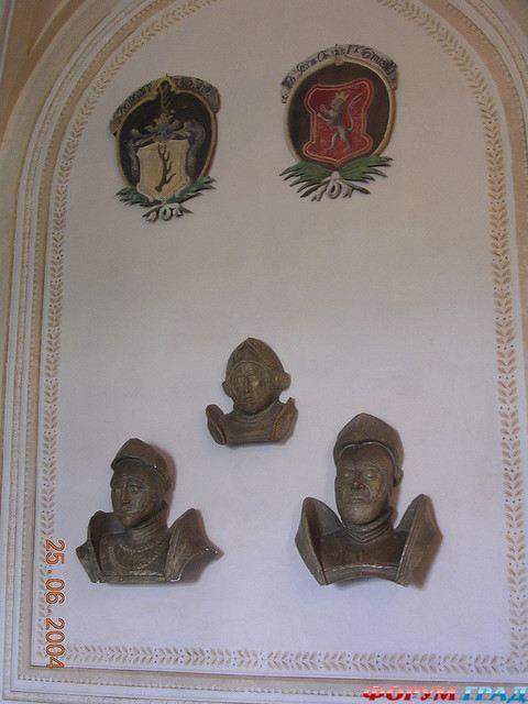 http://gallery.forum-grad.ru/files/1/0/6/8/0/zamok-chekhii-frydlant-01.jpg