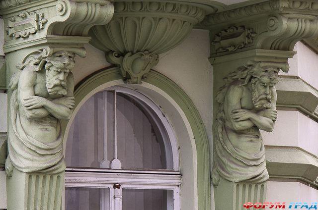 http://gallery.forum-grad.ru/files/1/0/6/8/0/zamok-chekhii-frydlant-05.jpg