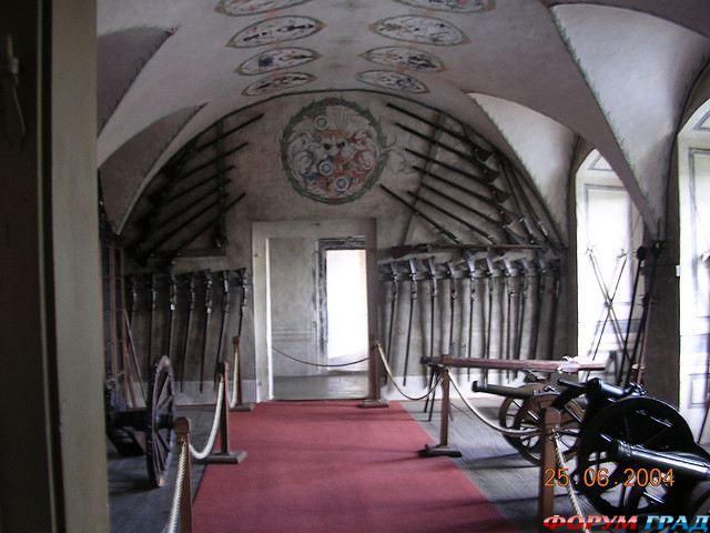 http://gallery.forum-grad.ru/files/1/0/6/8/0/zamok-chekhii-frydlant-08.jpg
