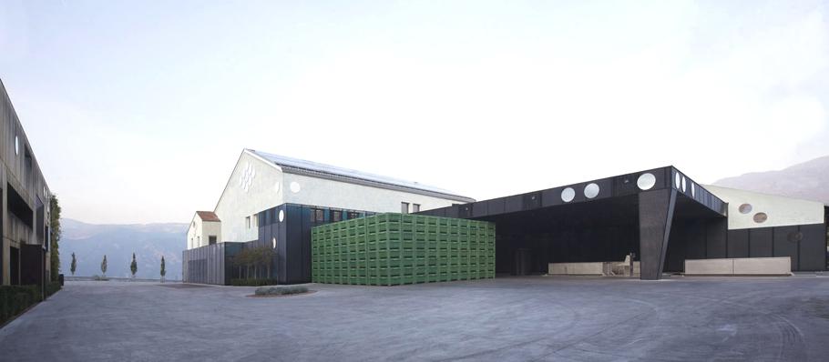 Винный завод Schreckbichl в Италии