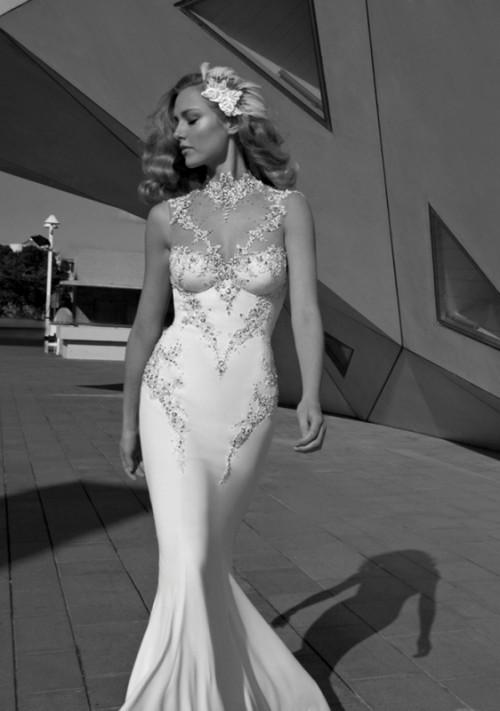 Посетителям Форум-Града будет интересно познакомиться со сказочной и утончённой коллекцией свадебных платьев 2012 года от известного израильского дизайнера