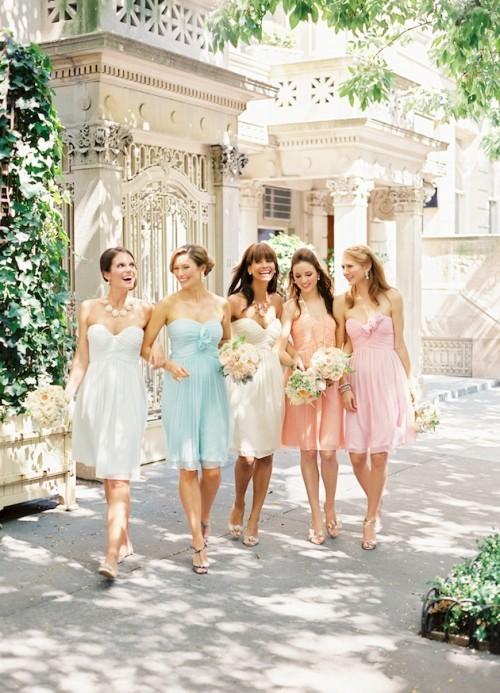 Платья в пастельных тонах