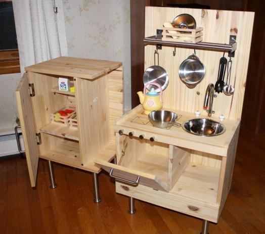 Сделать кухонную мебель из дерева своими руками