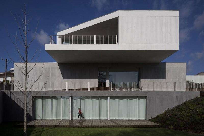 Архитектура из бетона: современная вариация на тему португальского стиля