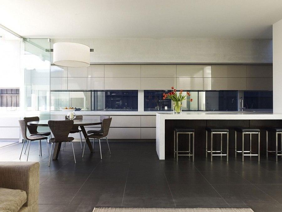 Кухонная зона особняка