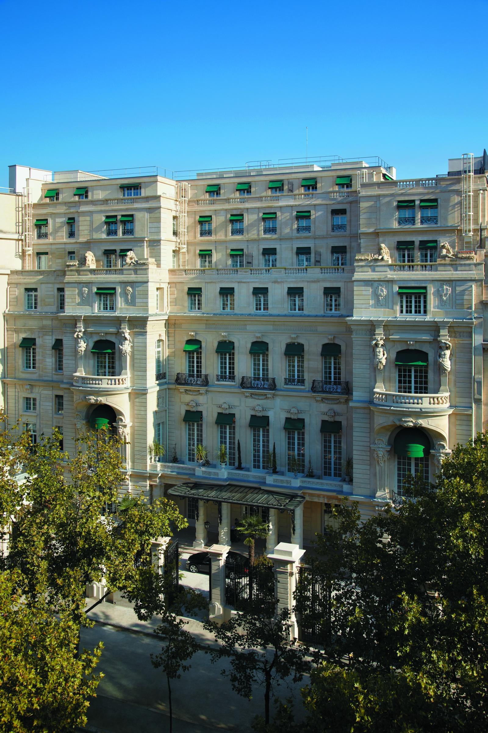 Фасад отеля Shangri-La