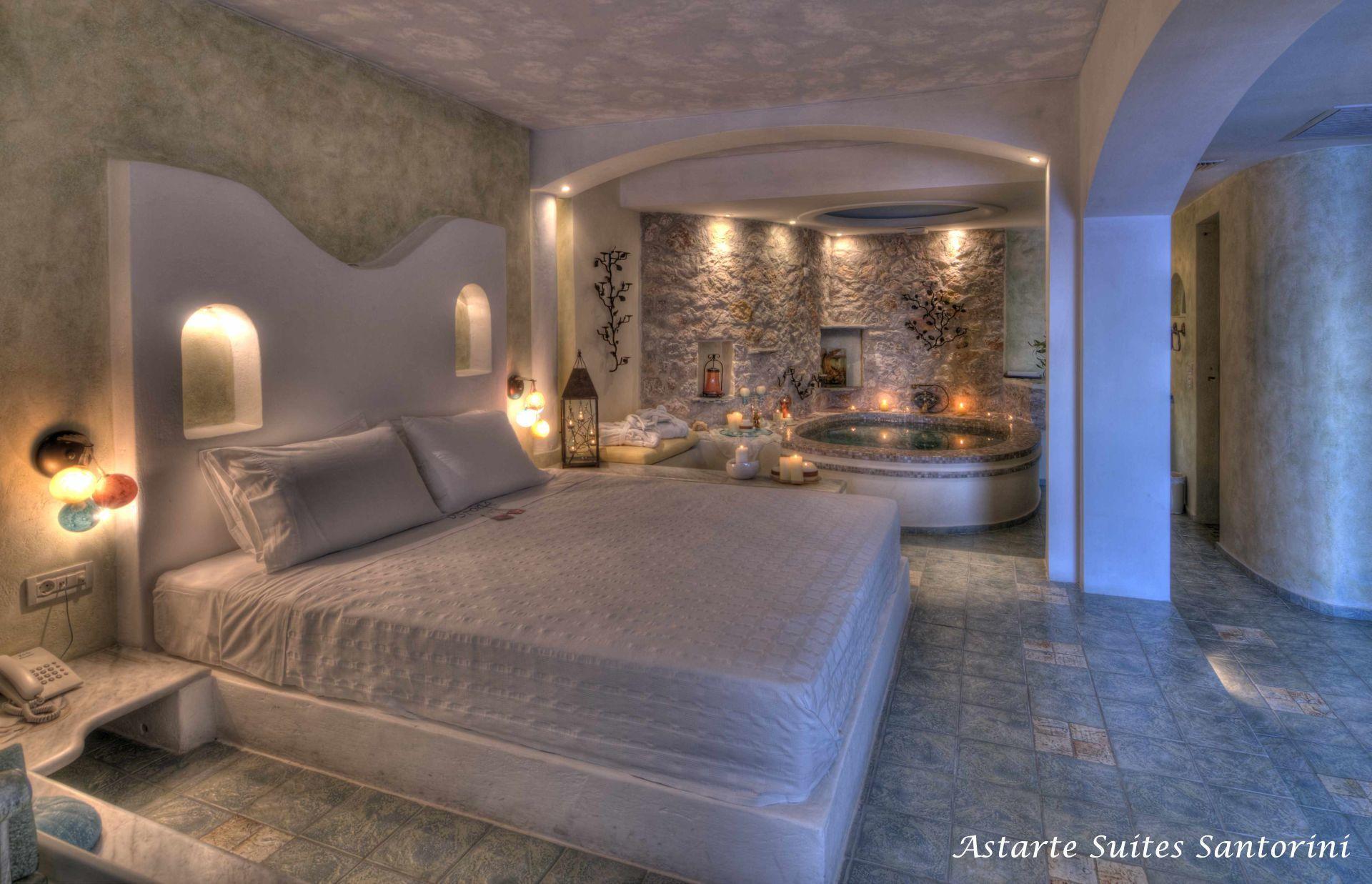 Спальная комната отеля Astarte Suites