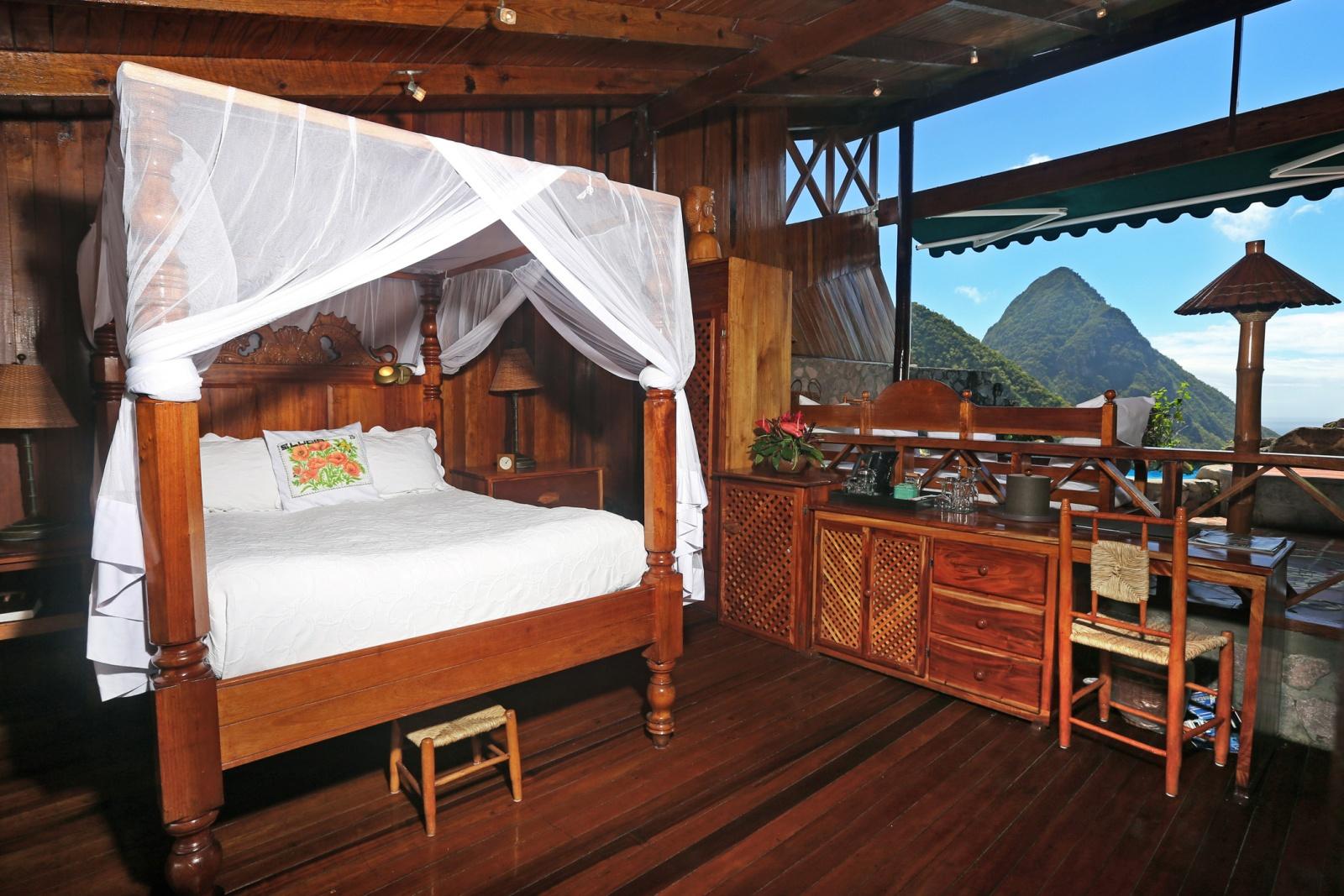 Спальная комната уникального курорта Ladera