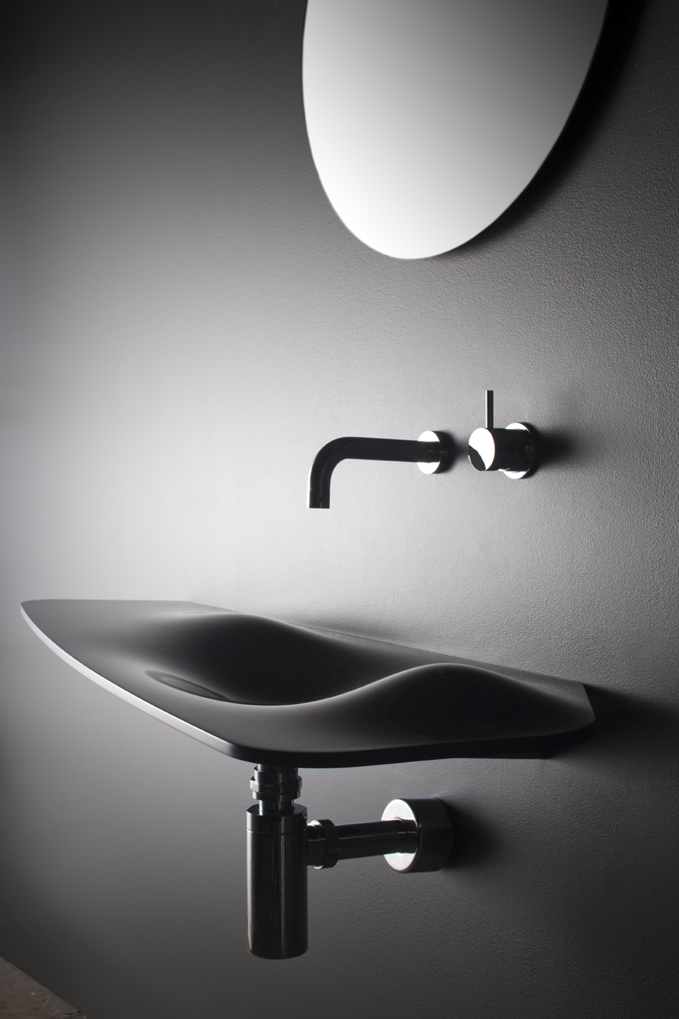 unusual collection of bathroom accessories-03