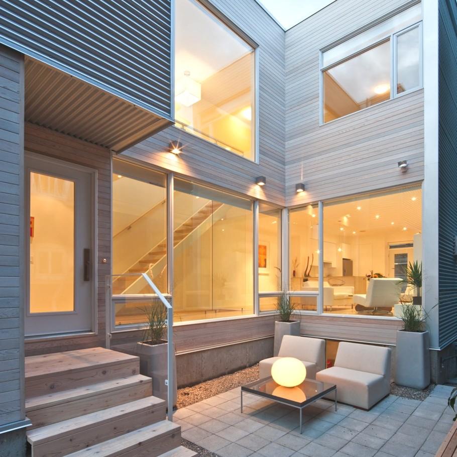 Дома с внутренним двориком: светлый коттедж в Канаде
