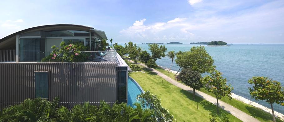 Дизайнерские дома: стильный Sentosa Cove House с террасой и бассейном