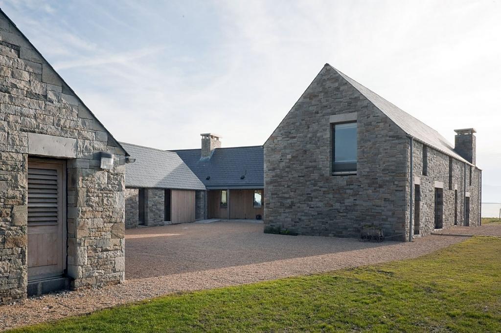 Дизайн интерьера дома из камня