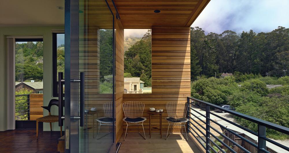"""Дизайн балкона в частном доме фото """" современный дизайн."""