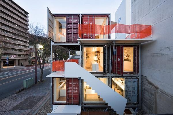 Морской офис из контейнеров Sugoroku