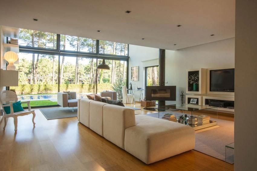 Замечательный семейный дом с необычной компоновкой
