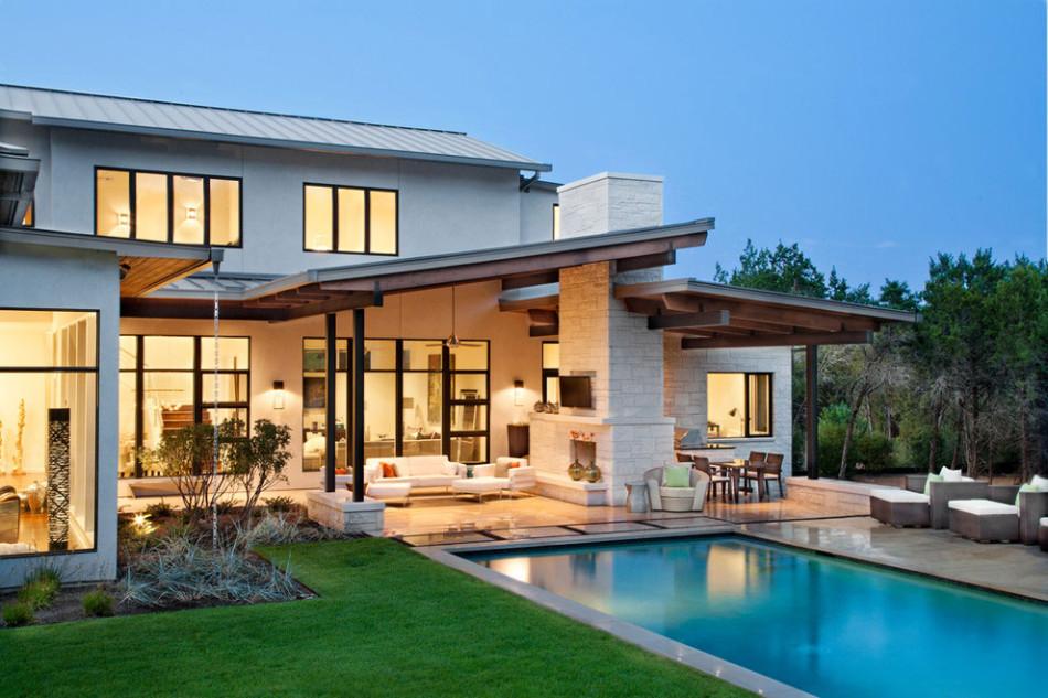 Роскошные интерьеры домов: белый особняк с бассейном в Техасе