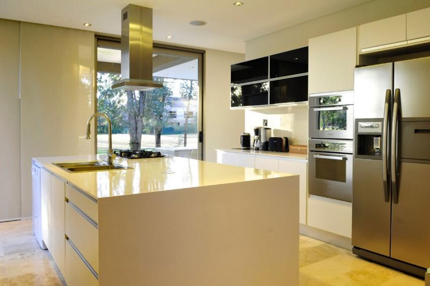Великолепный проект частного дома в стиле модерн