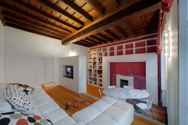 Белый интерьер с яркими акцентами в гостеприимном House T от UAU