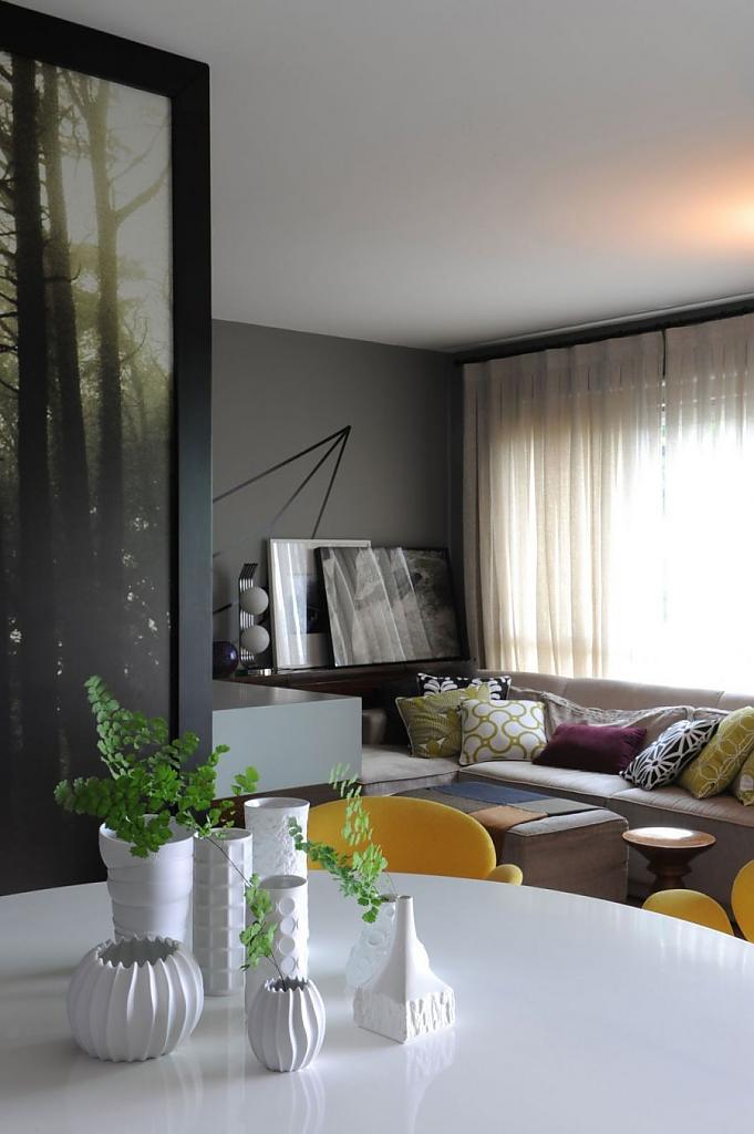 Интерьер частного дома в Бразилии: мягкий уют с яркими деталями