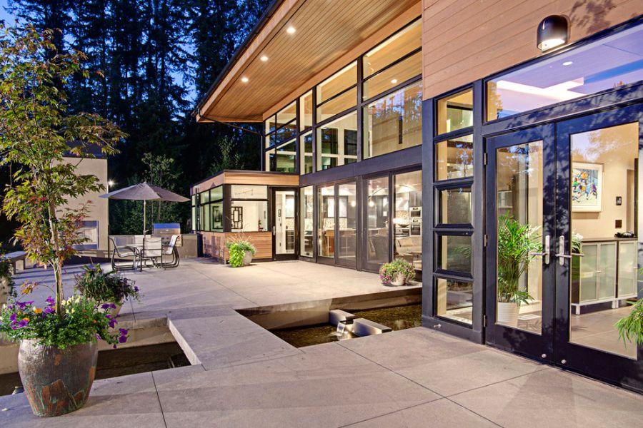 Загородный дом в лесу: гармония природы и архитектуры