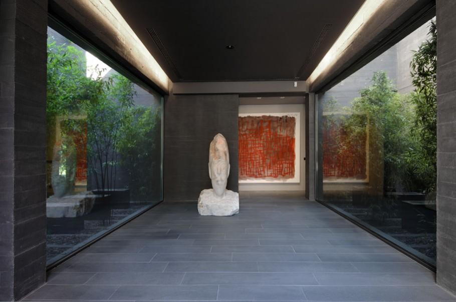 luxury poperty in madrid by a cero architects 07 В испанской столице Мадриде разместилась очаровательная резиденция Concrete House ll на окраине города от студии A cero Architects