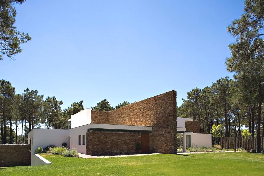 Декоративное оформление бассейнов как изюминка дизайна дома Casa Do Lago