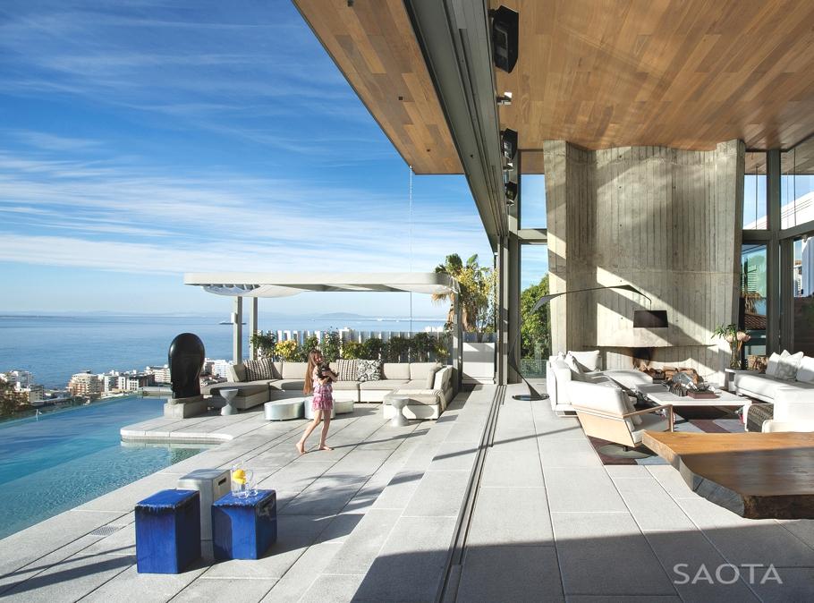 Оригинальные проекты загородных домов: четырёхэтажный особняк De Wet 34 с видом на залив