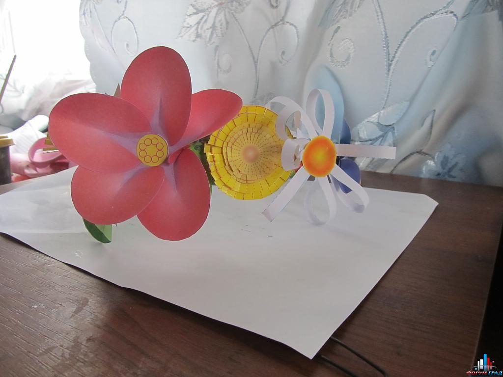Цветок из бумаги на голову своими руками 236