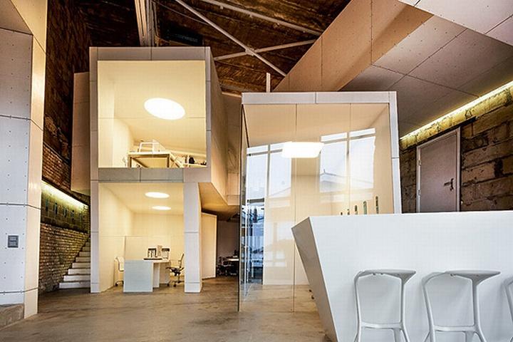 nefa research office moscow 01 Необычный дизайн офиса Nefa Research с барной мебелью