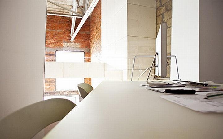 nefa research office moscow 06 Необычный дизайн офиса Nefa Research с барной мебелью
