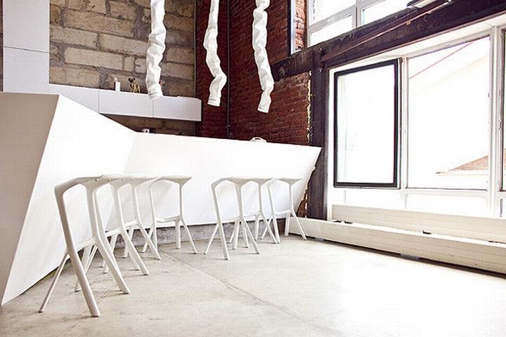 nefa research office moscow 07 Необычный дизайн офиса Nefa Research с барной мебелью