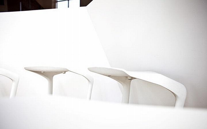 nefa research office moscow 19 Необычный дизайн офиса Nefa Research с барной мебелью
