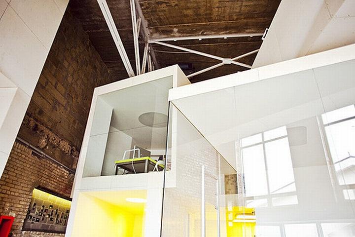 nefa research office moscow 20 Необычный дизайн офиса Nefa Research с барной мебелью
