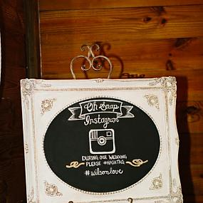 romantic-barn-wedding-with-vintage-and-glam-touches-16