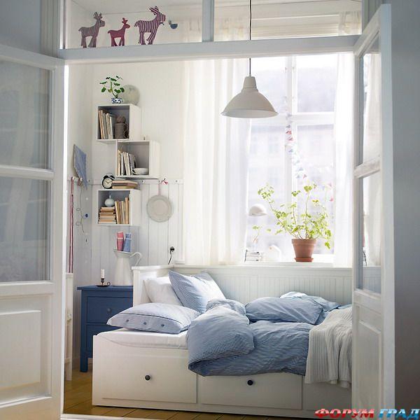 Дизайны узкой спальни