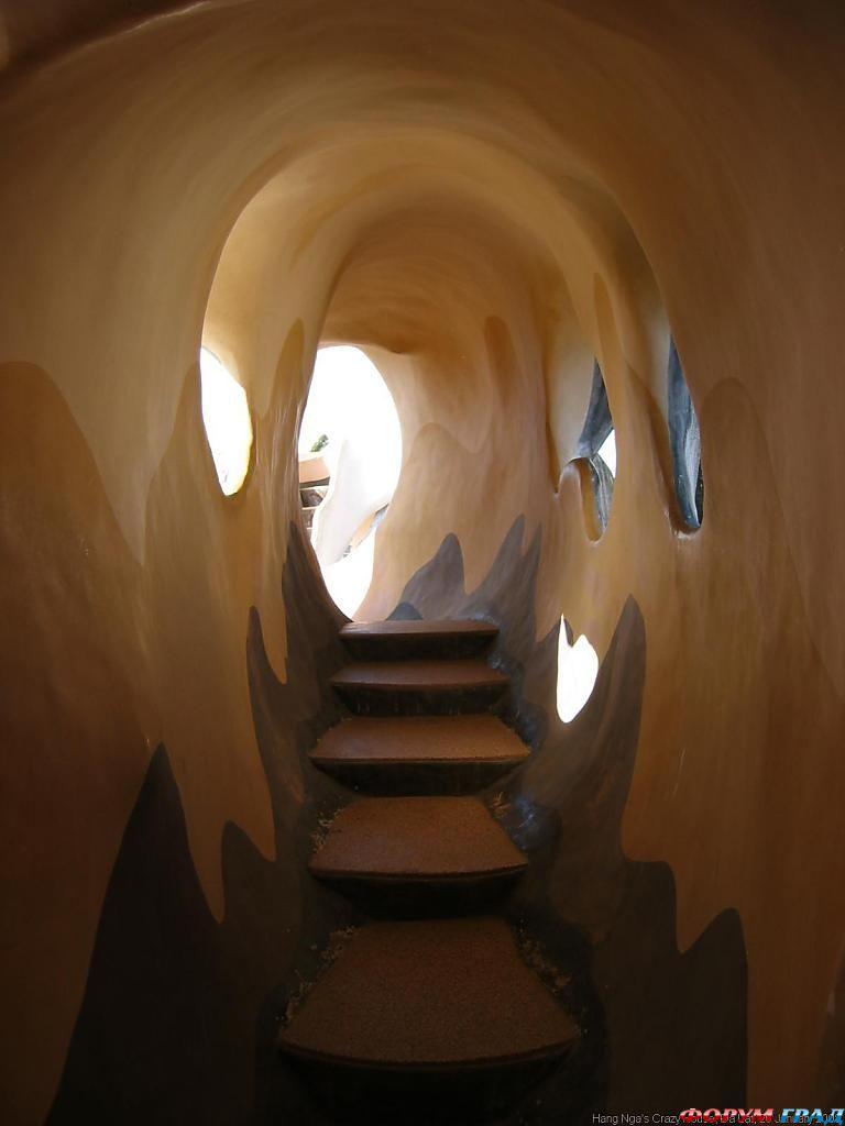 Лестница в отеле Ханг Нга Пансион