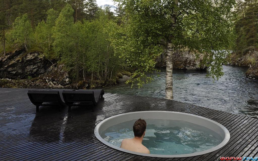 Маленький бассейн в отеле Juvet Landscape