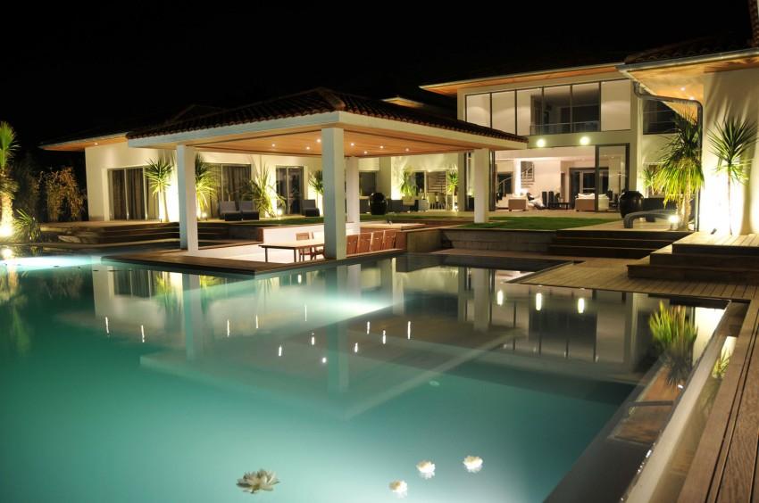 Роскошная курортная вилла с изумительным бассейном