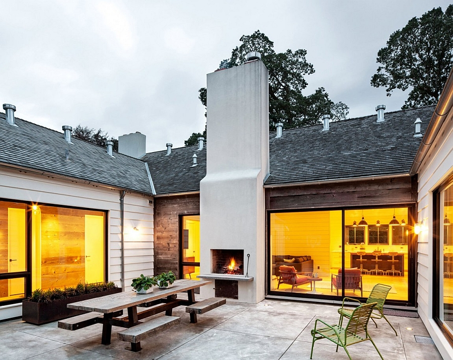 Современная реконструкция старого деревянного дома