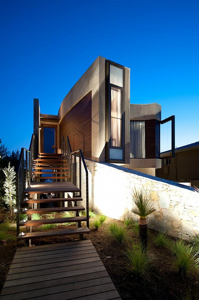 Оригинальный фасад, вид на бухту и стильный интерьер австралийского особняка