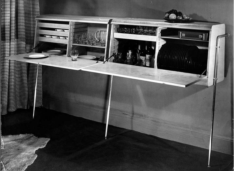 Робин Дей, Клайв Латимер. Шкаф с гибкой и многофункциональной системой хранения, 1948