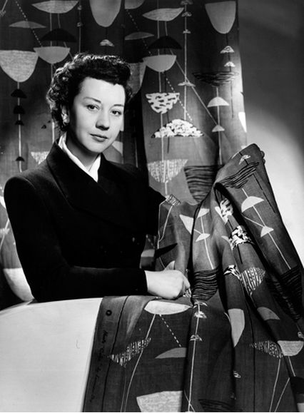 Люсьен Дей с тканью для мебели Calyx, 1951