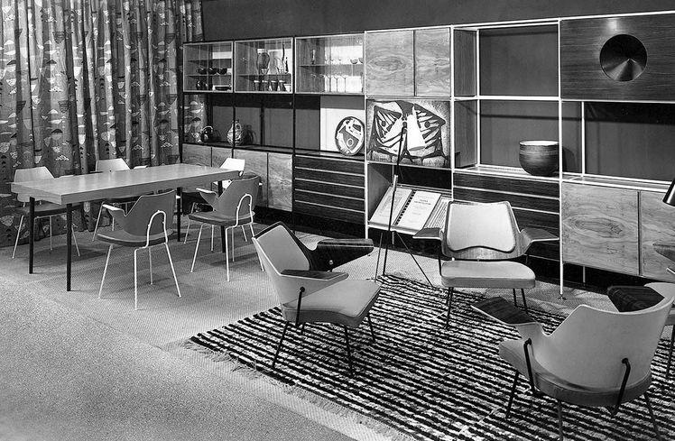Робин Дей и Люсьен Дей. Ткань Calyx в инсталляция жилой комнаты на Триеннале в Милане, 1951