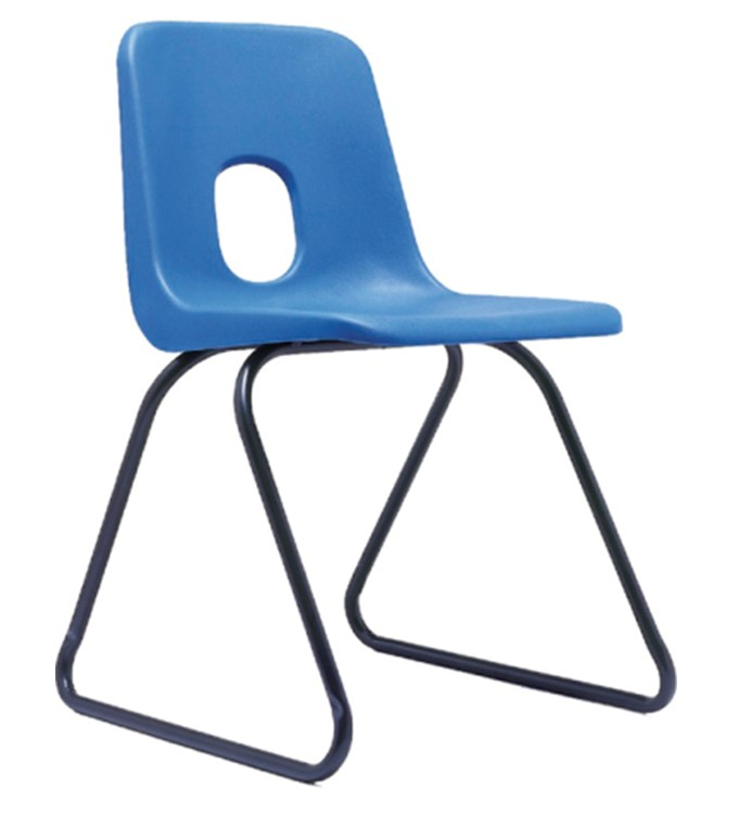 Робин Дей. Классический школьный стул из полипропилена, 1971