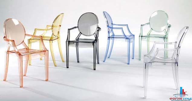 и все это время они набирали популярность - теперь пластиковая мебель, имитирующая стиль Людовика XVI