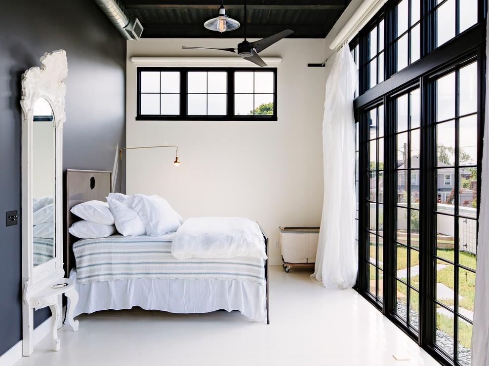 Промышленная спальня с преобладанием белого цвета в интерьере