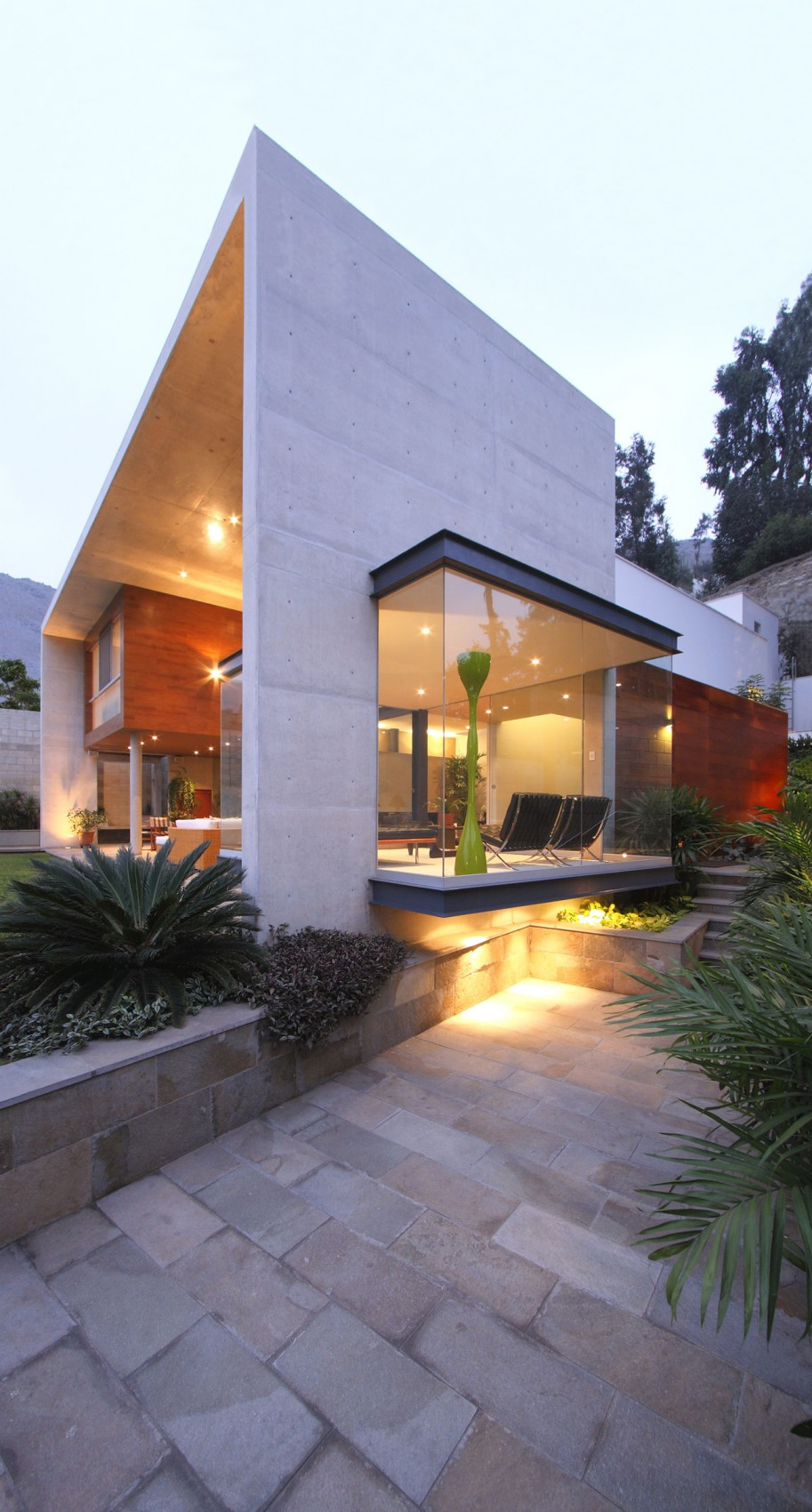 Стильный проект частного дома с открытой планировкой