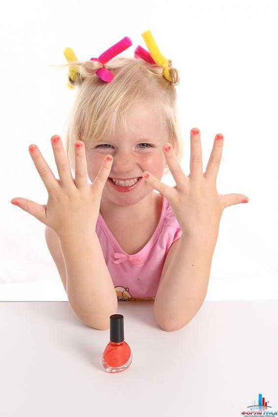Как сделать маникюр ребенку фото