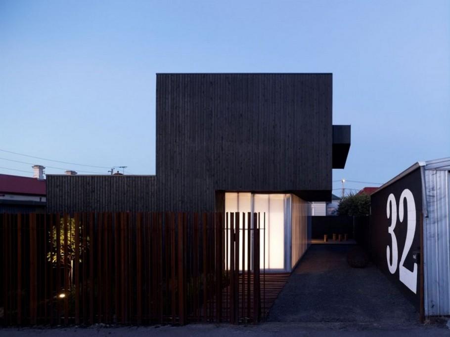 Дома из стекла и дерева: простой и стильный особняк от ODR Architects